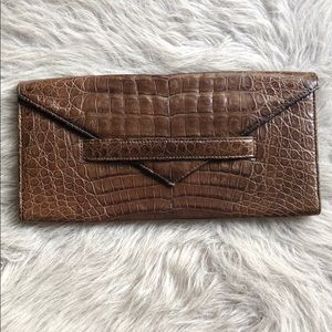 LAI Crocodile Clutch